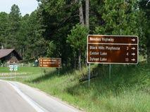 Sinais de estrada de Custer State Park fotos de stock