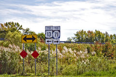 Sinais de estrada direcionais Fotos de Stock Royalty Free