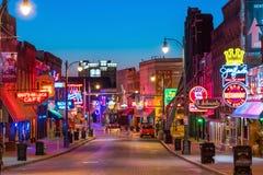 Sinais de néon na rua de Beale Fotos de Stock