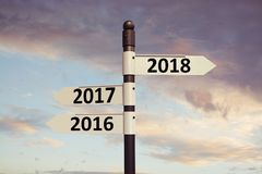 sinais 2018 de sentido com fundo do céu Conceito do ano novo Fotos de Stock