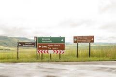 Sinais direcionais na junção do D475 e do P304 Foto de Stock Royalty Free