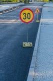 Sinais do trabalho de estrada adiante Fotografia de Stock Royalty Free