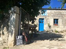 Sinais em casas para peregrinos do camino de santiago Fotos de Stock