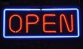Sinal aberto do néon Foto de Stock Royalty Free