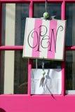 Sinal aberto listrado cor-de-rosa imagens de stock royalty free