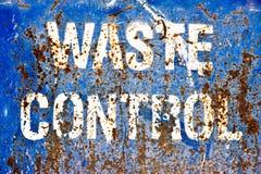 Sinal afligido do controle do desperdício do metal do grunge imagens de stock
