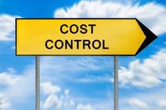 Sinal amarelo do controlo de custos do conceito da rua Fotos de Stock