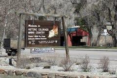 Sinal bem-vindo ao país histórico da mineração de Colorado Imagem de Stock