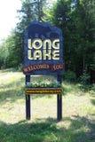 Sinal bem-vindo do lago longo Fotos de Stock Royalty Free