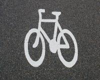 Sinal da bicicleta na estrada Foto de Stock Royalty Free