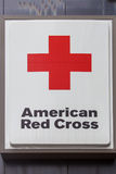 Sinal da cruz vermelha Fotografia de Stock Royalty Free