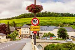 Sinal da entrada a Schengen Luxemburgo foto de stock