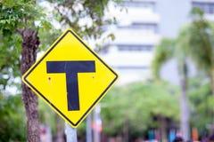 Sinal da interseção da 3-maneira Três sinais separados Sinais de tráfego Fotografia de Stock Royalty Free