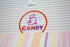 Sinal da loja de doces de B imagens de stock