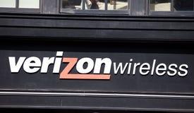 Sinal da loja de Verizon Imagens de Stock