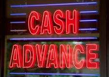 Sinal da loja do empréstimo do dinheiro adiantado Foto de Stock Royalty Free