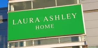 Sinal da loja para mobílias para a casa de Laura Ashley foto de stock