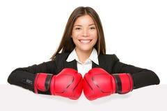 Sinal da mulher de negócio - luvas de encaixotamento Fotografia de Stock Royalty Free