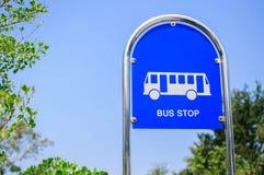 Sinal da parada do ônibus Fotografia de Stock Royalty Free