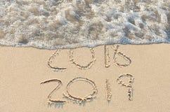 Sinal da praia do ano novo 2019 Imagens de Stock