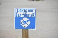 Sinal da proteção da tartaruga de mar imagem de stock