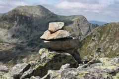Sinal da rocha da montanha Fotografia de Stock Royalty Free
