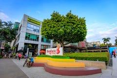 Sinal da rua principal em Fort Bonifacio o 1º de setembro de 2017 em Taguig, Imagem de Stock