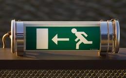 Sinal da saída de emergência Imagens de Stock Royalty Free
