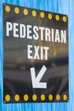 Sinal da saída do pedestre Imagem de Stock Royalty Free