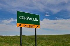 Sinal da saída da estrada dos E.U. para Corvallis imagens de stock royalty free