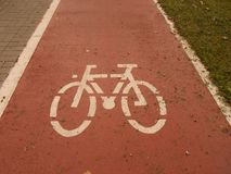 Sinal da trilha da bicicleta fotos de stock