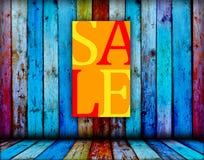 Sinal da venda no fundo de madeira Fotografia de Stock