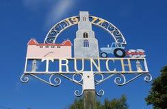 Sinal da vila de Trunch Imagem de Stock Royalty Free