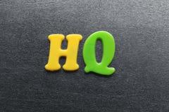 Sinal de alta qualidade soletrado para fora usando ímãs coloridos do refrigerador Foto de Stock Royalty Free