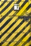 Sinal de aviso da porta do metal Fotografia de Stock Royalty Free