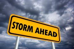 Sinal de aviso da tempestade adiante ilustração stock