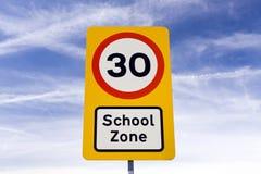 Sinal de aviso da zona da escola Fotografia de Stock Royalty Free