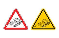 Sinal de avisode da guerra da atenção Exército amarelo do sinal dos perigos tanque Foto de Stock