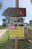 Sinal de aviso para larvas processionary da traça Imagem de Stock Royalty Free