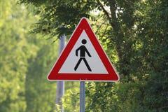 Sinal de aviso/pedestres da estrada fotos de stock royalty free
