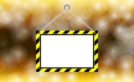 Sinal de aviso de suspensão vazio no fundo do ouro do bokeh, quadro de etiqueta de suspensão do molde para o espaço da cópia, han ilustração stock