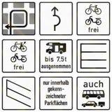 Sinal de estrada alemão - instruções para a curva à esquerda ilustração do vetor