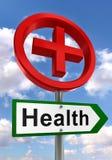 Sinal de estrada da saúde com cruz vermelha Imagens de Stock Royalty Free