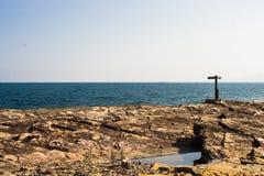 Sinal de estrada na costa Foto de Stock Royalty Free