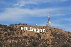 Sinal de Hollywood em um céu azul Imagens de Stock Royalty Free