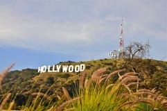 Sinal de Hollywood em um céu azul Fotos de Stock Royalty Free