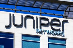 Sinal de Juniper Networks no QG da empresa imagem de stock