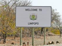 Sinal de Limpopo - destino do curso em África fotos de stock royalty free