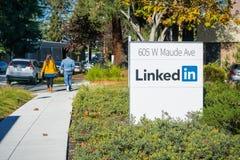 Sinal de LinkedIn nos escritórios de Sunnyvale imagens de stock