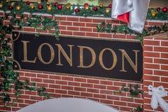 Sinal de Londres da inscrição fotografia de stock royalty free